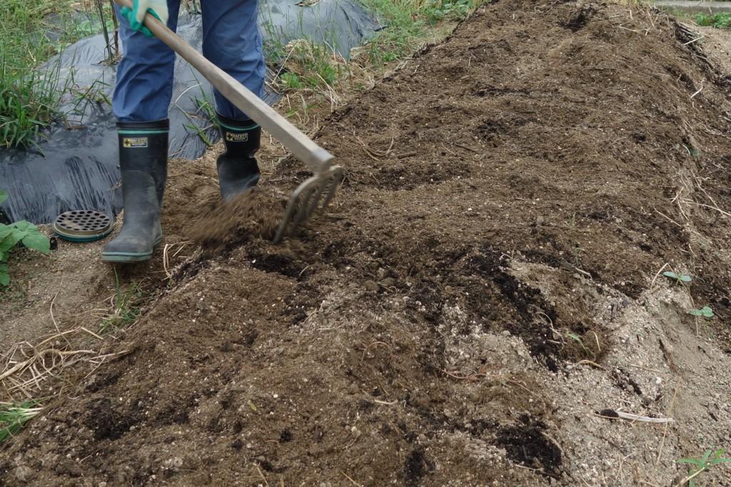 堆肥の混ぜ込み