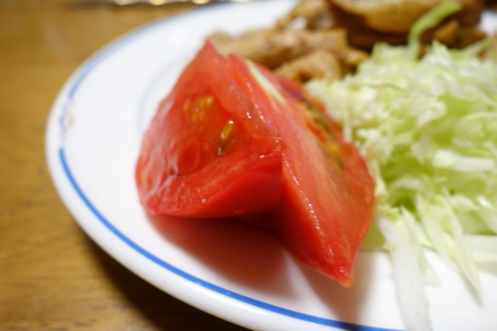 大玉トマトのサラダ