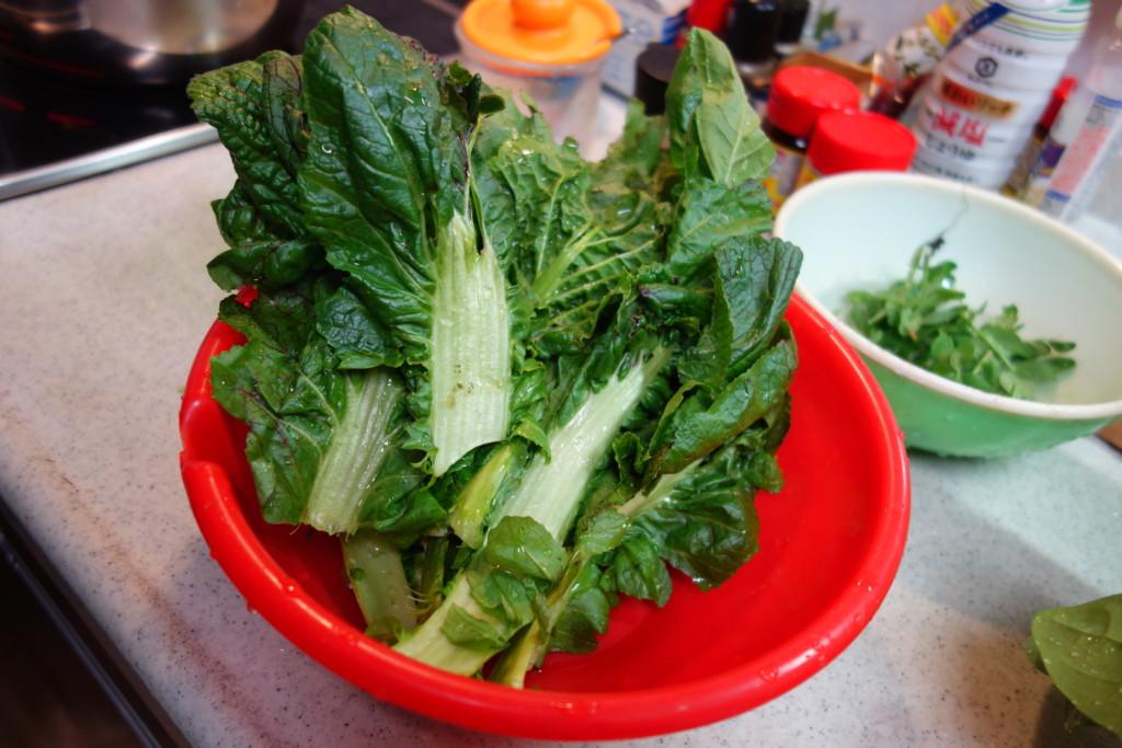 キッチンにある高菜